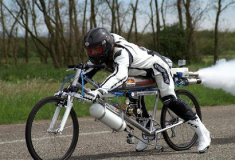 'Rocket man' hits 333 km/h on bicycle, breaks world record but no bones