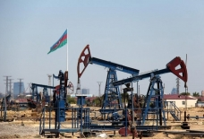 Azerbaijani oil sells for nearly $62