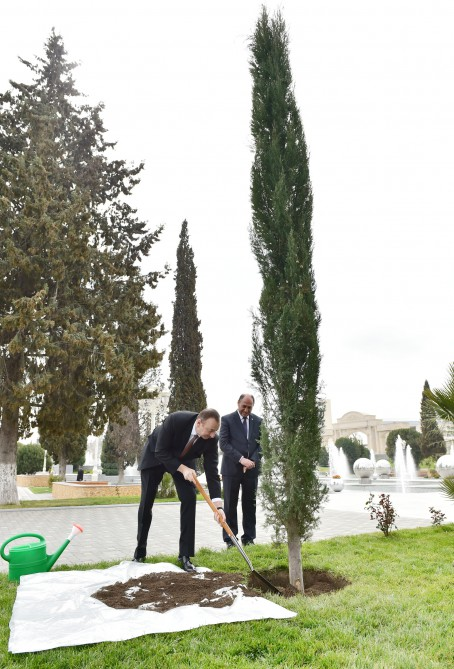 President Ilham Aliyev attended the opening of a park-boulevard after Heydar Aliyev in Barda VIDEO