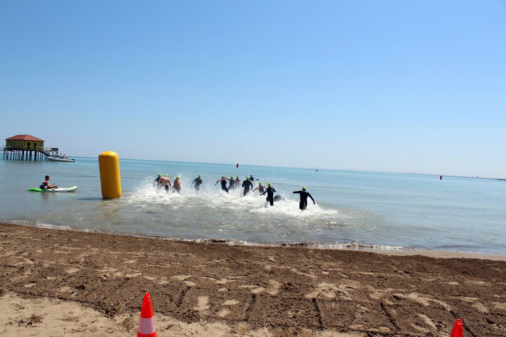 Azerbaijani athletes put up good performance at Baku 2015 triathlon test event