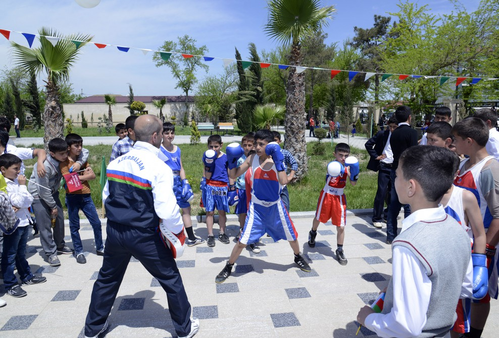 Salyan welcomes Baku 2015 Journey of the Flame VIDEO