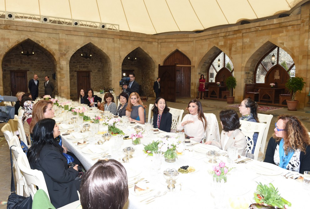 Dinner reception hosted on behalf of first lady Mehriban Aliyeva in honour of spouses of participants of ADB Governors' 48th Annual Meeting