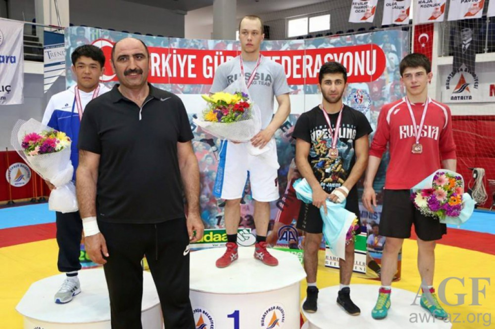 Young Azerbaijani wrestlers clinch 9 medals in Antalya