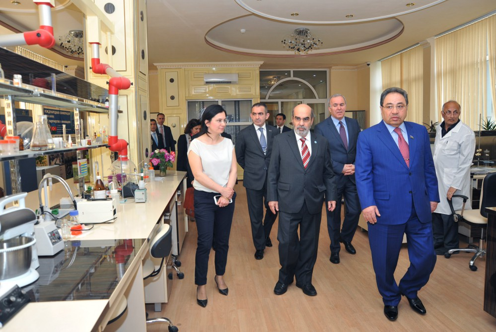 FAO Director-General awarded Honorary Diploma of Doctor at Baku State University