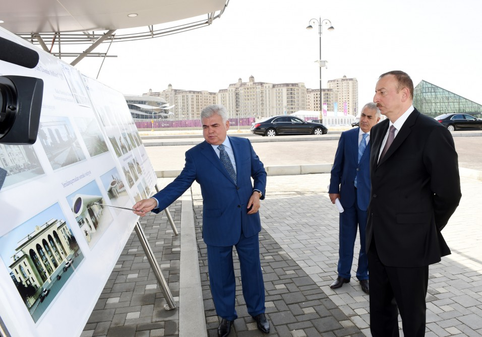 President Ilham Aliyev reviewed a newly-brought electric railcar VIDEO