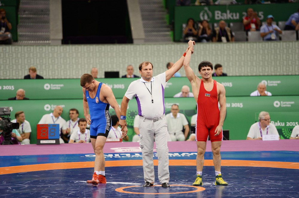 Greco-Roman wrestler Rasul Chunayev added another gold to Azerbaijan`s medal count at the First European Games He received the gold medal from President Ilham Aliyev VIDEO