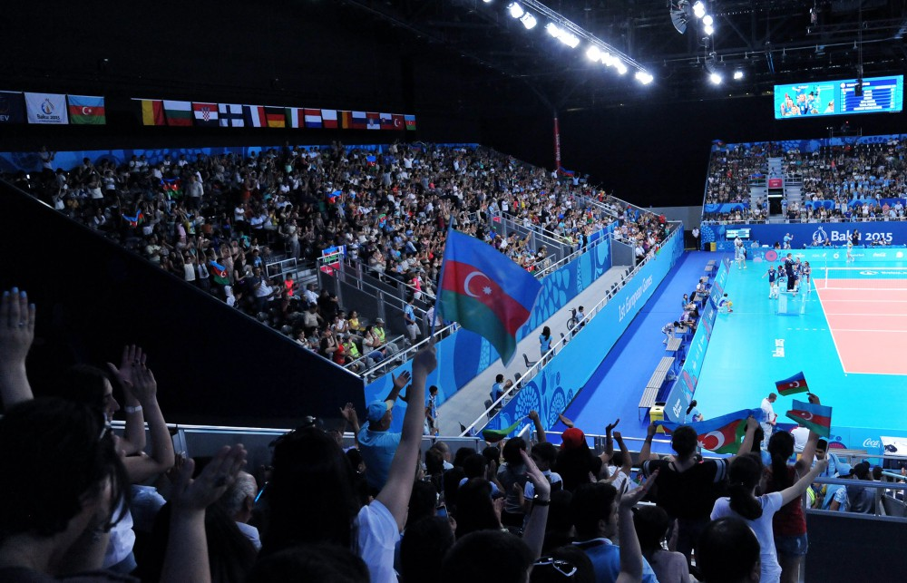 Azerbaijan women's volleyball players beat Italy 3-1
