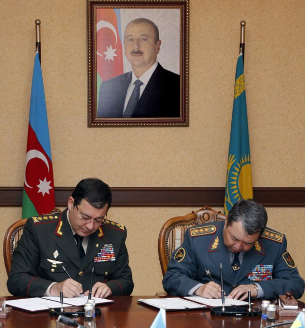 Azerbaijan, Kazakhstan: Armed Forces sign protocol of intent on cooperation