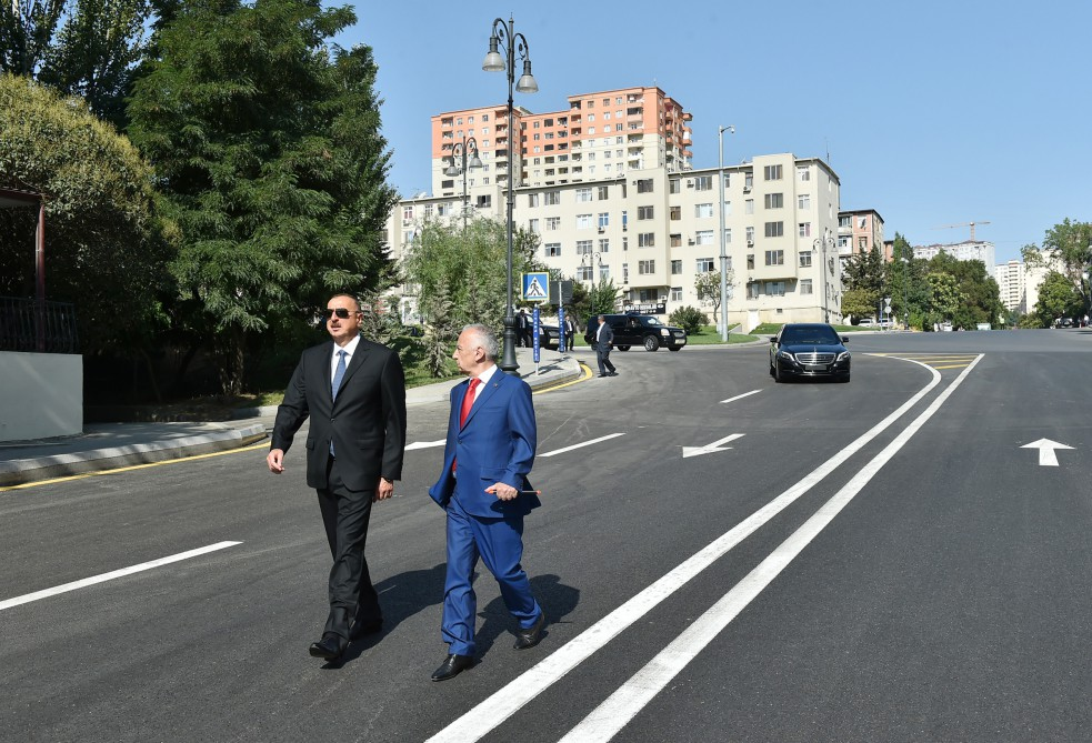 President Ilham Aliyev reviewed the reconstruction work on several streets in Baku VIDEO