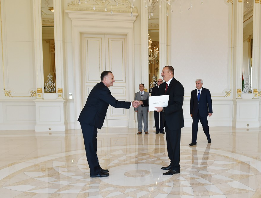 President Ilham Aliyev received the credentials of the newly-appointed Ambassador of Israel VIDEO