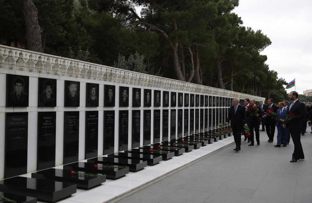 Participants of international conference visit Alley of Honors and Alley of Martyrs