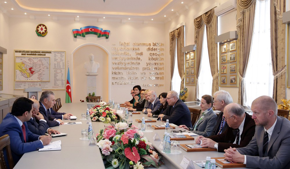German Bundestag`s delegation visits State Committee for Refugee and IDP Affairs of Azerbaijan
