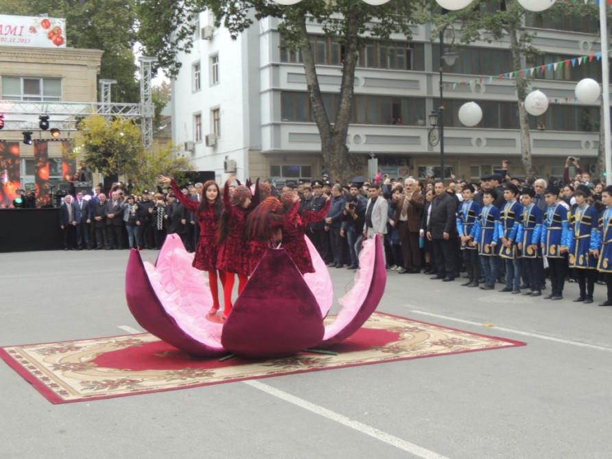 Nearly 15,000 visit Pomegranate Festival in Goychay