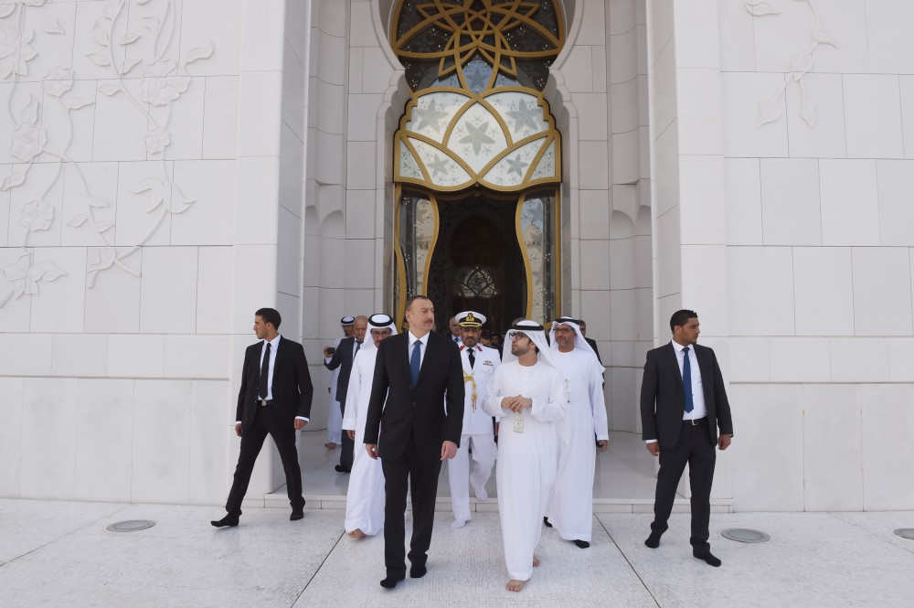 President Ilham Aliyev visited Sheikh Zayed Mosque in Abu Dhabi VIDEO