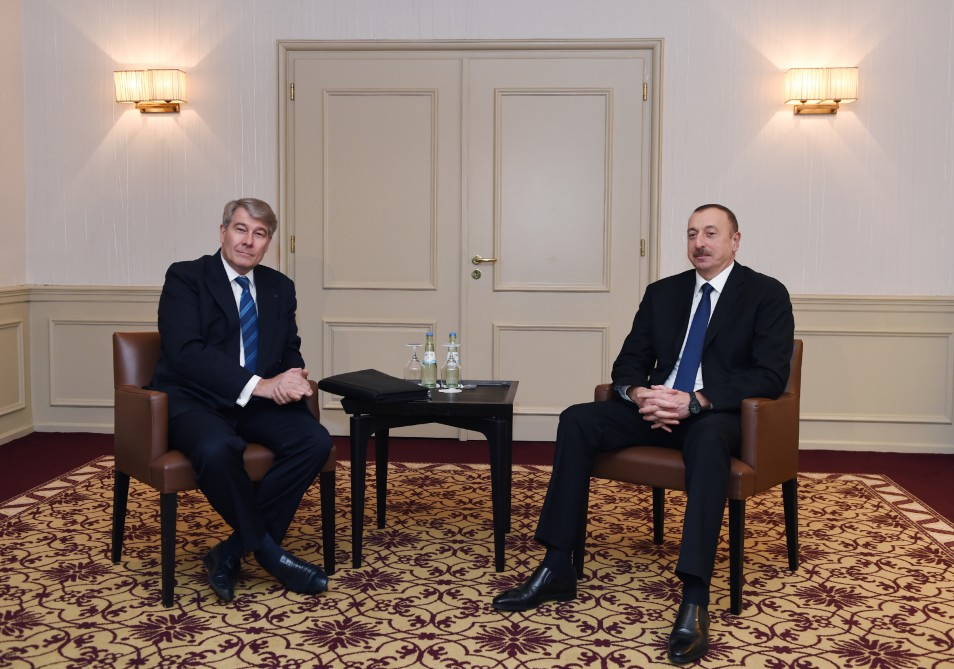 President Ilham Aliyev met with chairman of Eastern Committee of German Economy VIDEO