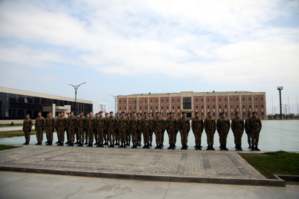 NATO general visits Azerbaijani Naval Forces base