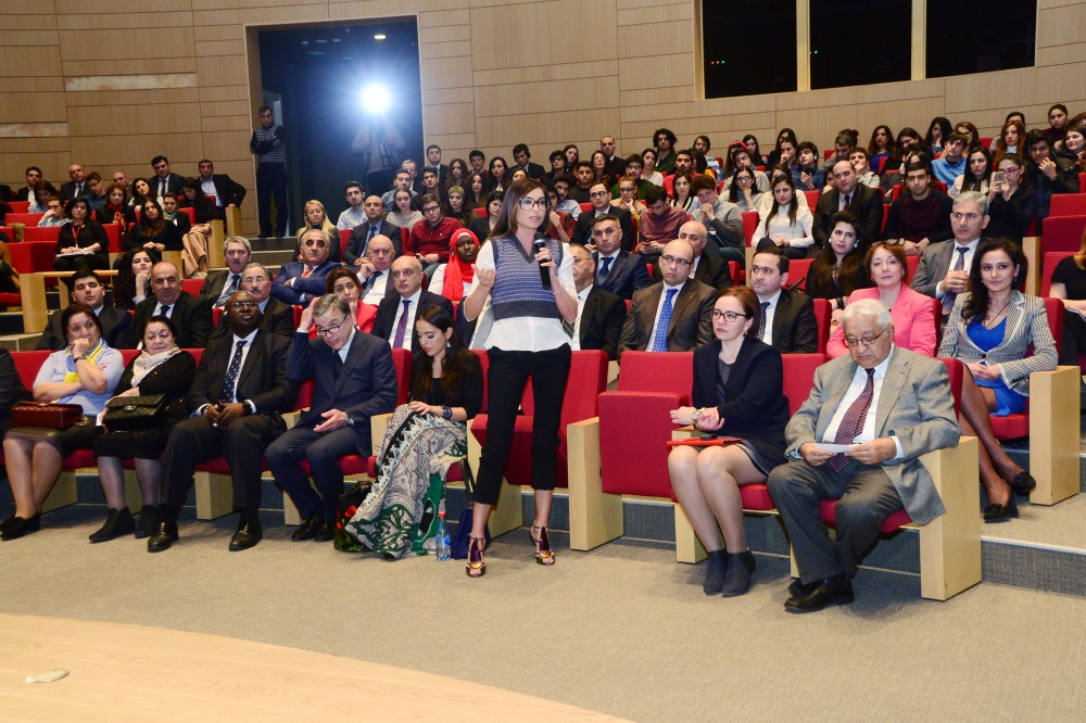 "ADA University hosts discussions on ""Climate change and global warming """