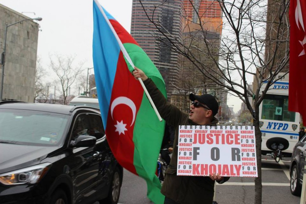 Azerbaijanis hold protest rally against recent Armenian provocation