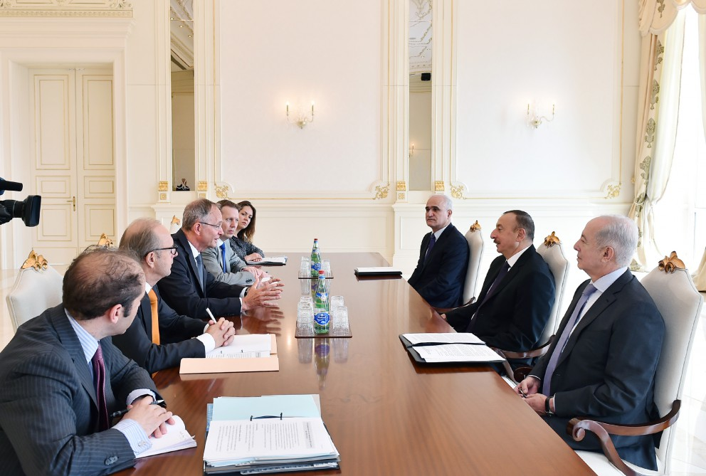 President Ilham Aliyev received delegation led by Dutch Minister of Economic Affairs VIDEO