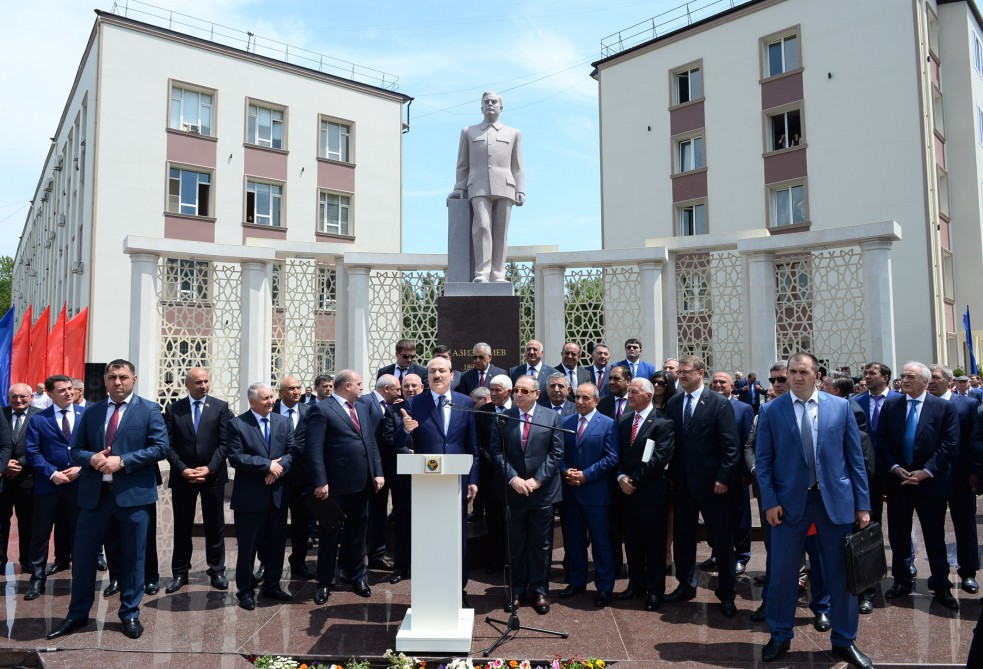 Statue of prominent statesman Aziz Aliyev unveiled in Makhachkala