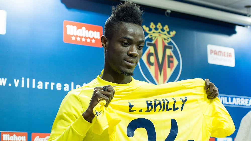 Manchester United holt Bailly aus Villarreal