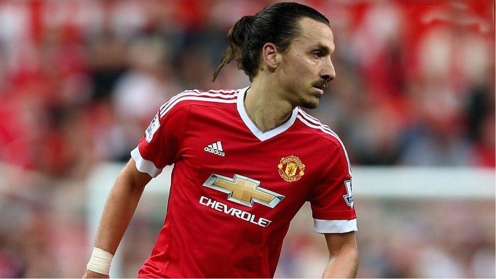 the best attitude aff54 c4370 Ibrahimovic shirt sales could fund Pogba's Manchester United ...