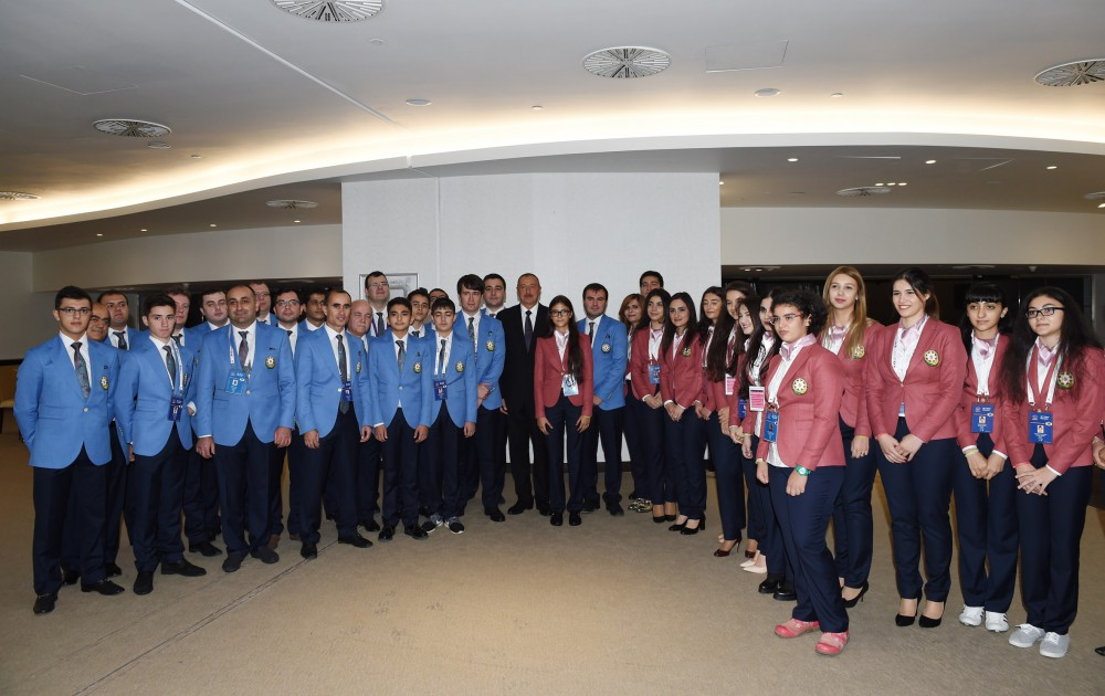 President Ilham Aliyev met with Azerbaijani athletes competing in Baku Chess Olympiad VIDEO