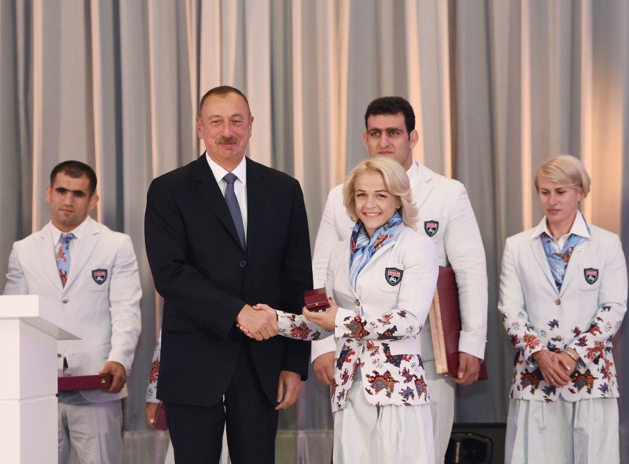 President Ilham Aliyev met with athletes who competed in 31st Summer Olympic Games VIDEO