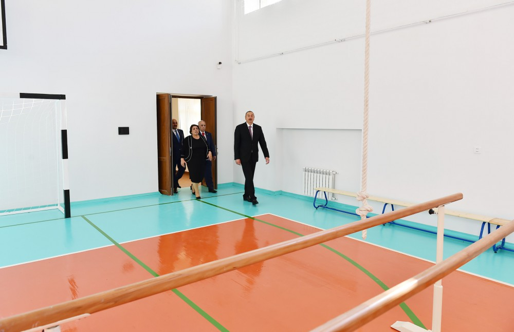 President Ilham Aliyev viewed conditions created at school No. 247 in Baku after major overhaul VIDEO