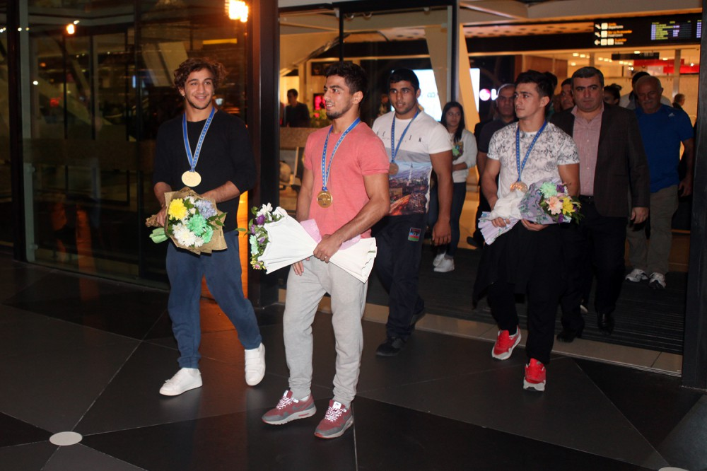 Junior Azerbaijani judo fighters return home from European Championships