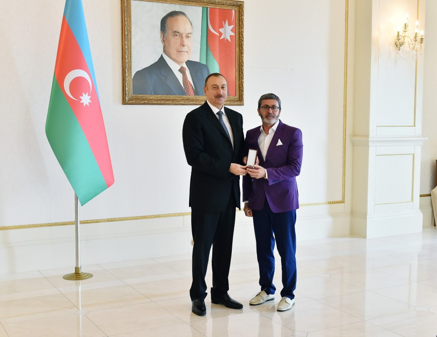 President Ilham Aliyev met with athletes who competed in 15th Summer Paralympic Games VIDEO