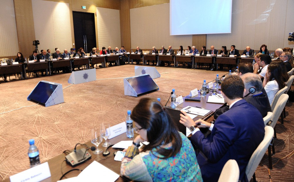 """Sustainable Development and Ecological Civilization"" round table held as part of Baku Forum"
