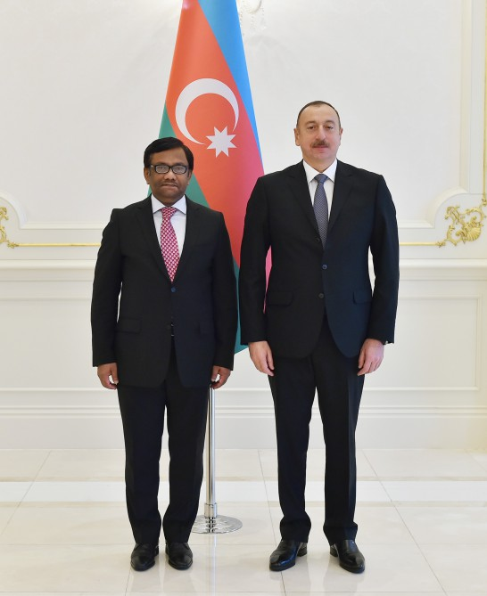 President Ilham Aliyev received credentials of incoming Bangladeshi Ambassador VIDEO