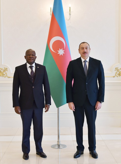 President Ilham Aliyev received credentials of incoming South African Ambassador VIDEO