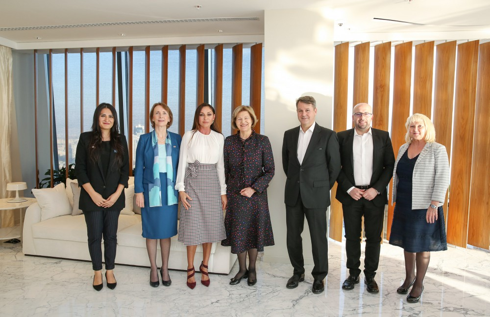Azerbaijan`s first lady Mehriban Aliyeva meets with British Prime Ministerial Trade Envoy