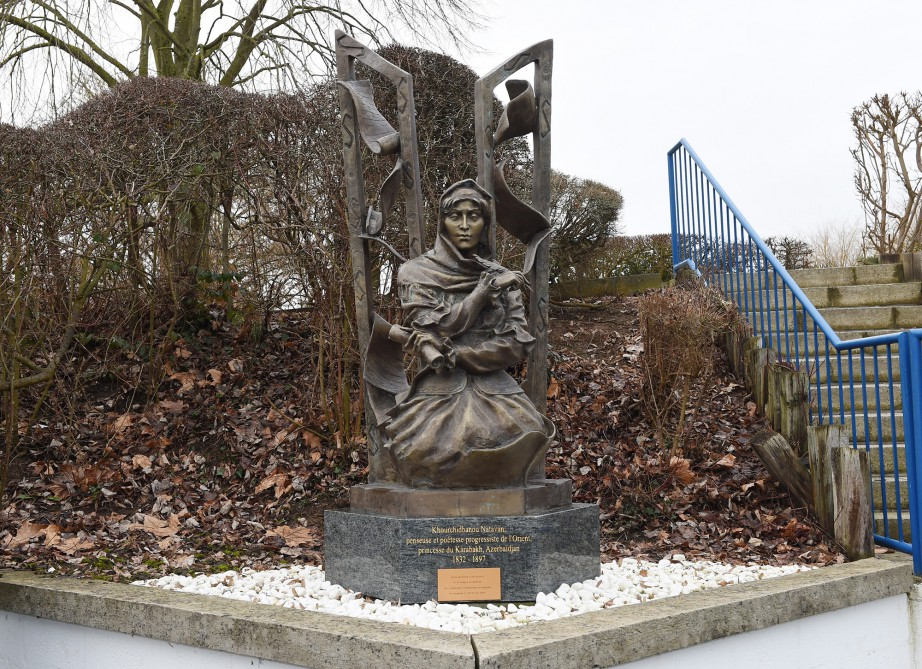 President Ilham Aliyev visited monument to outstanding Azerbaijani poetess Khurshidbanu Natavan in Waterloo, Belgium VIDEO