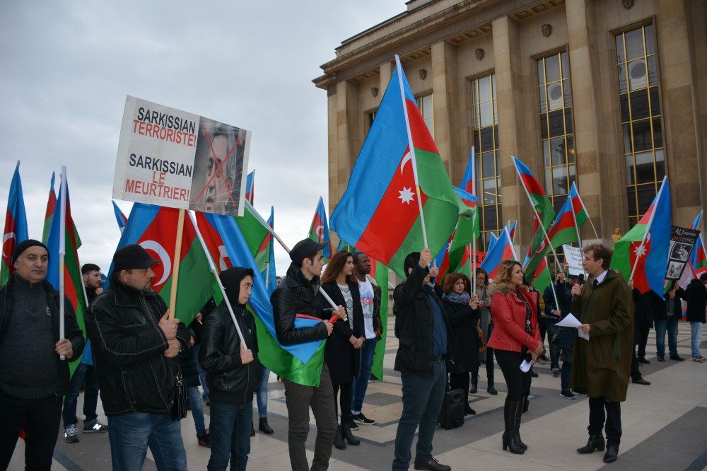 Protest action held in France against Armenian President`s visit to Paris VIDEO