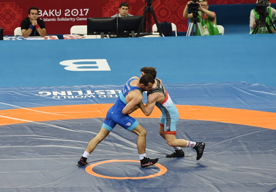 Azerbaijani Greco-Roman wrestlers won Islamic Solidarity Games President Ilham Aliyev watched final bouts VIDEO