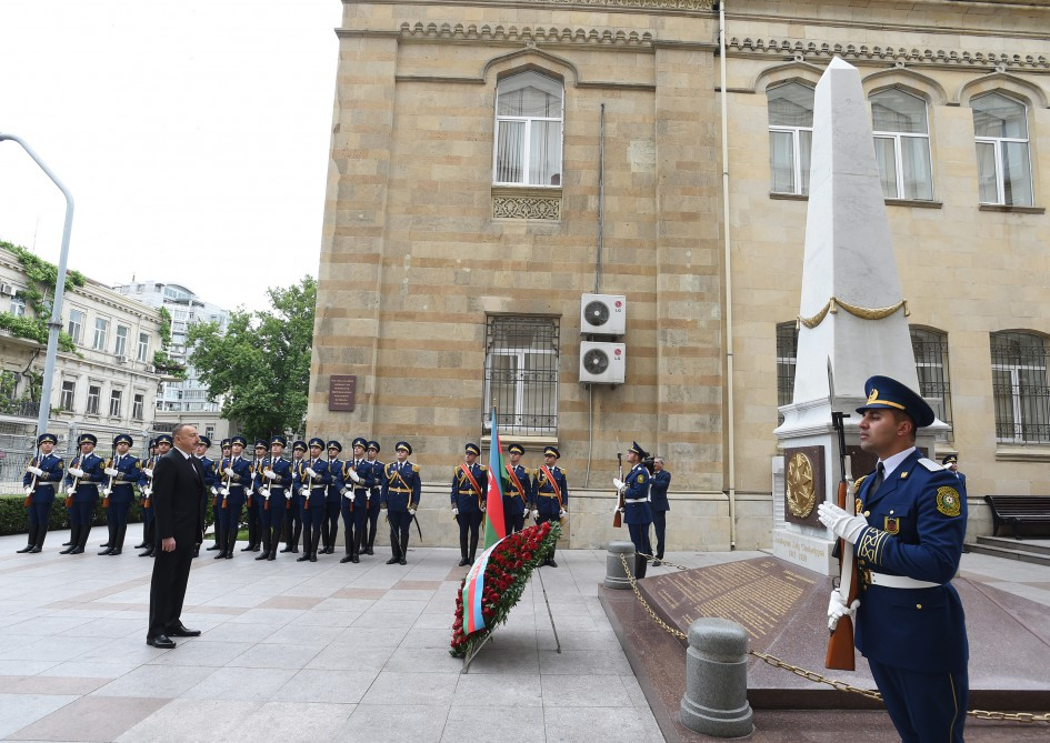 President Ilham Aliyev visited memorial in honor of Azerbaijan Democratic Republic VIDEO