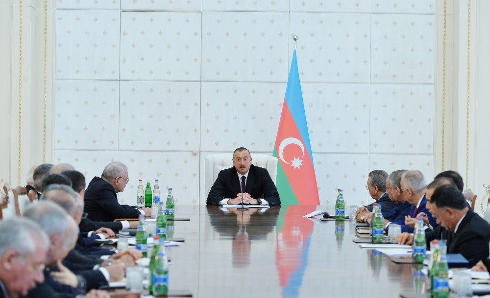 President Ilham Aliyev chaired meeting of Cabinet of Ministers dedicated to results of socioeconomic development of 2017 and objectives for future