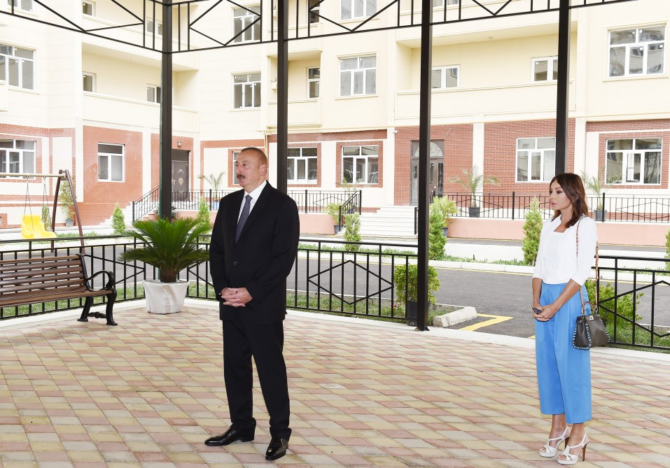 Ceremony was held to give out apartments and cars to veterans of Karabakh and Great wars, the Chernobyl disabled and families of martyrs  President Ilham Aliyev attended the ceremony VIDEO