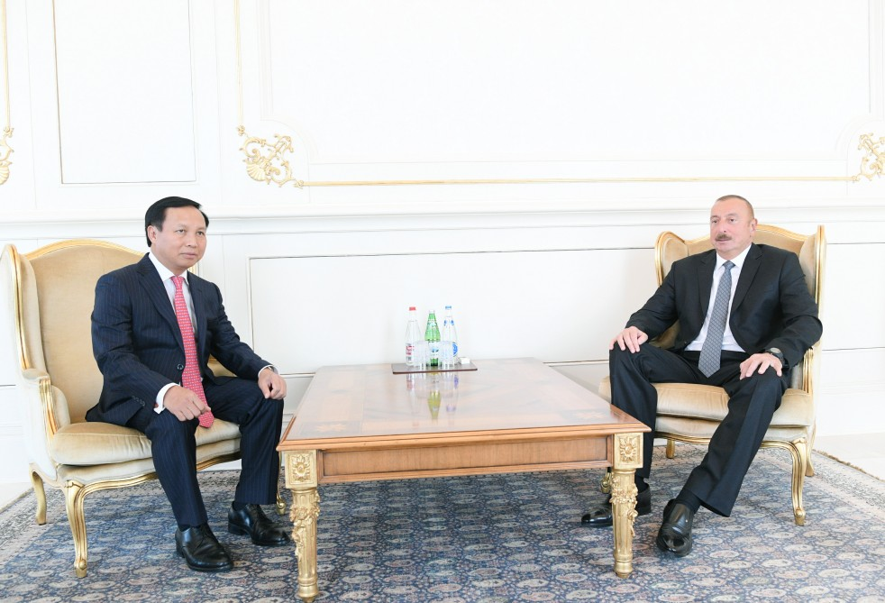 President Ilham Aliyev received credentials of incoming Vietnamese ambassador VIDEO