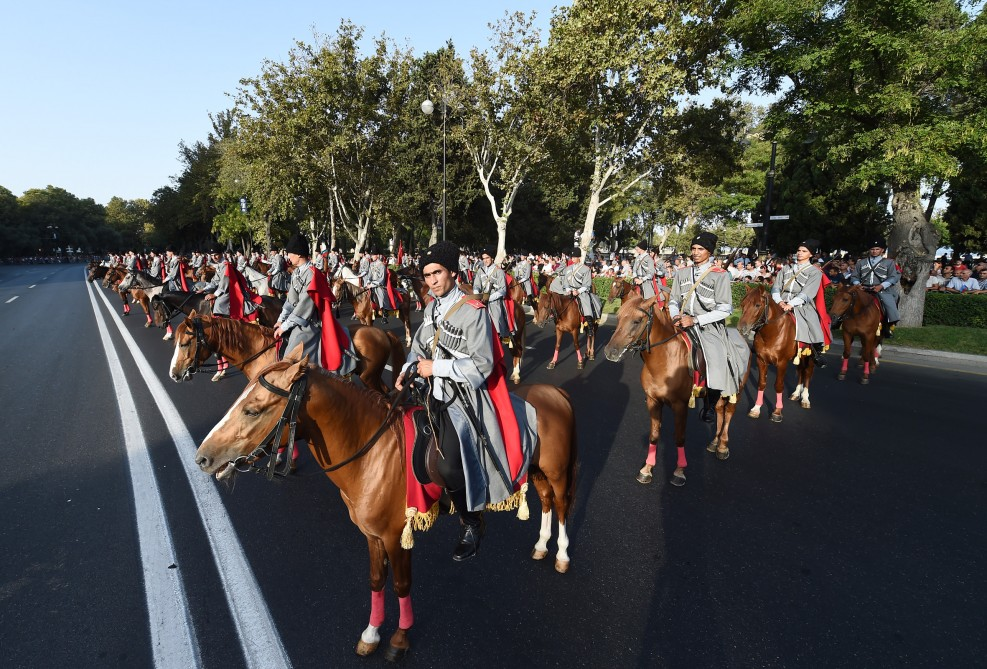Solemn parade held to mark 100th anniversary of liberation of Baku  President Ilham Aliyev, President Recep Tayyip Erdogan attended the parade VIDEO