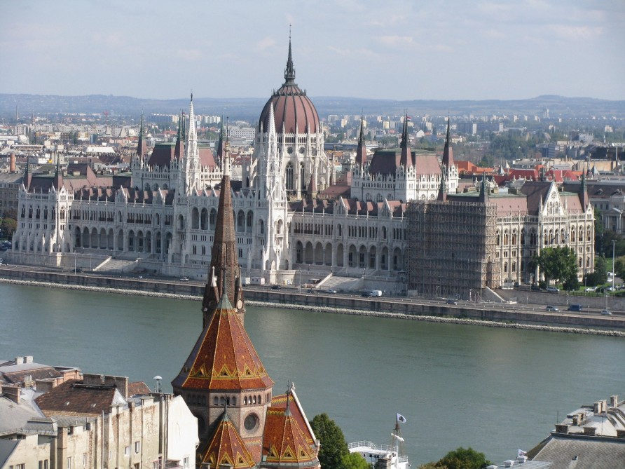 Hungarian Parliament ranked among top 10 tourist attractions around globe