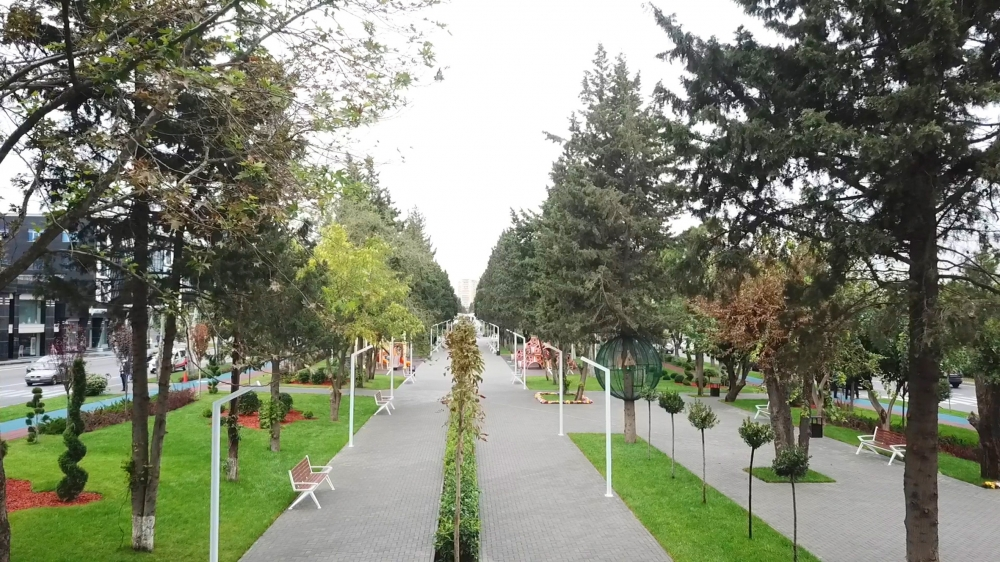 President Ilham Aliyev viewed conditions created at newly-reconstructed park in Baku VIDEO