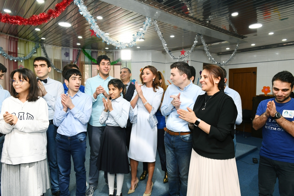 New Year party arranged at Rehabilitation Center for children with autism spectrum disorder  First Vice-President Mehriban Aliyeva attended the event