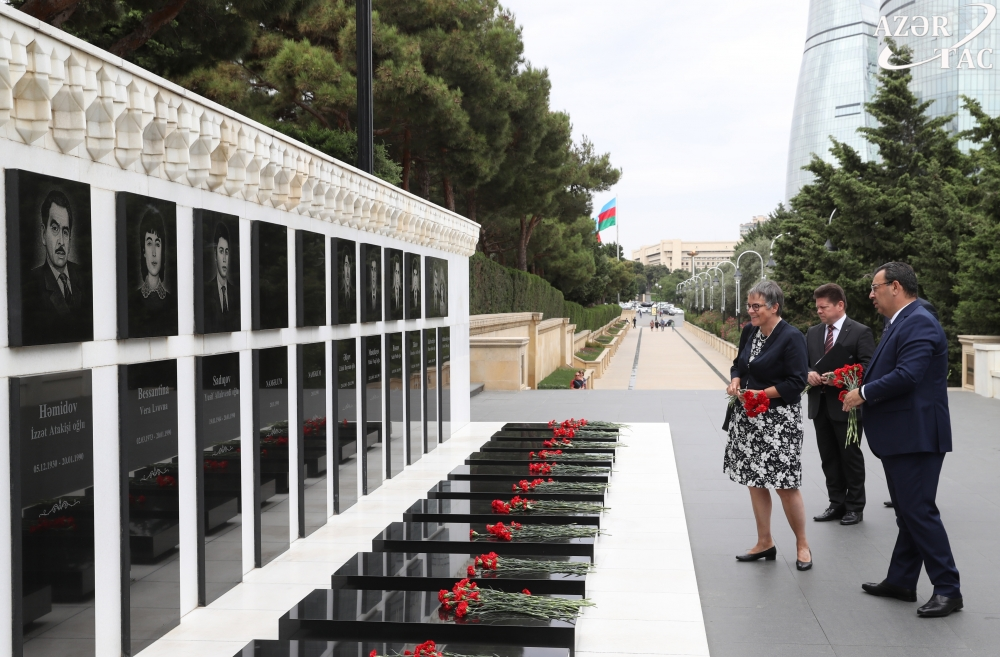 PACE President pays respect to Azerbaijani martyrs