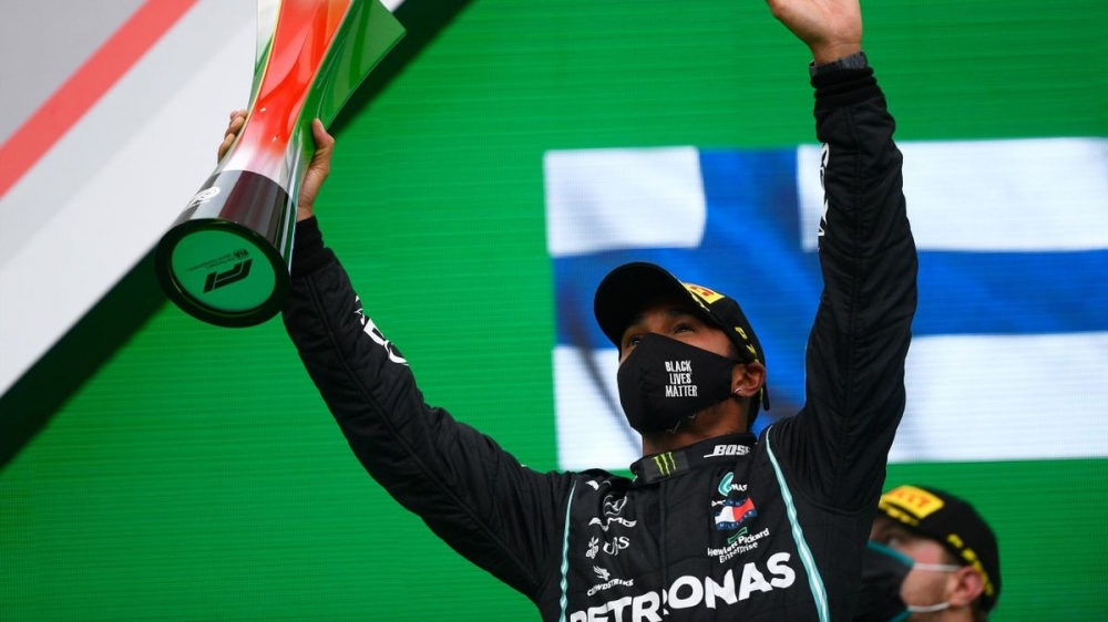 Lewis Hamilton breaks F1's all-time wins record