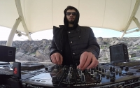 Electronic music on Gobustan rocks