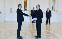 President Ilham Aliyev received credentials of incoming Ukrainian ambassador